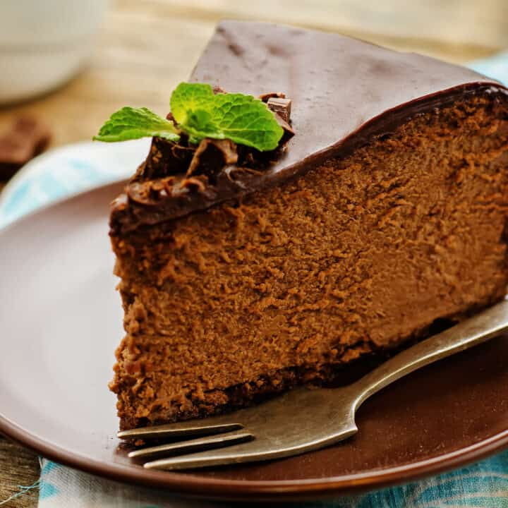 baked chocolate cheesecake with chocolate glaze